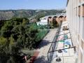 Una veduta degli esterni (terrazzo del nido, sullo sfondo la cappella dell'Istituto)